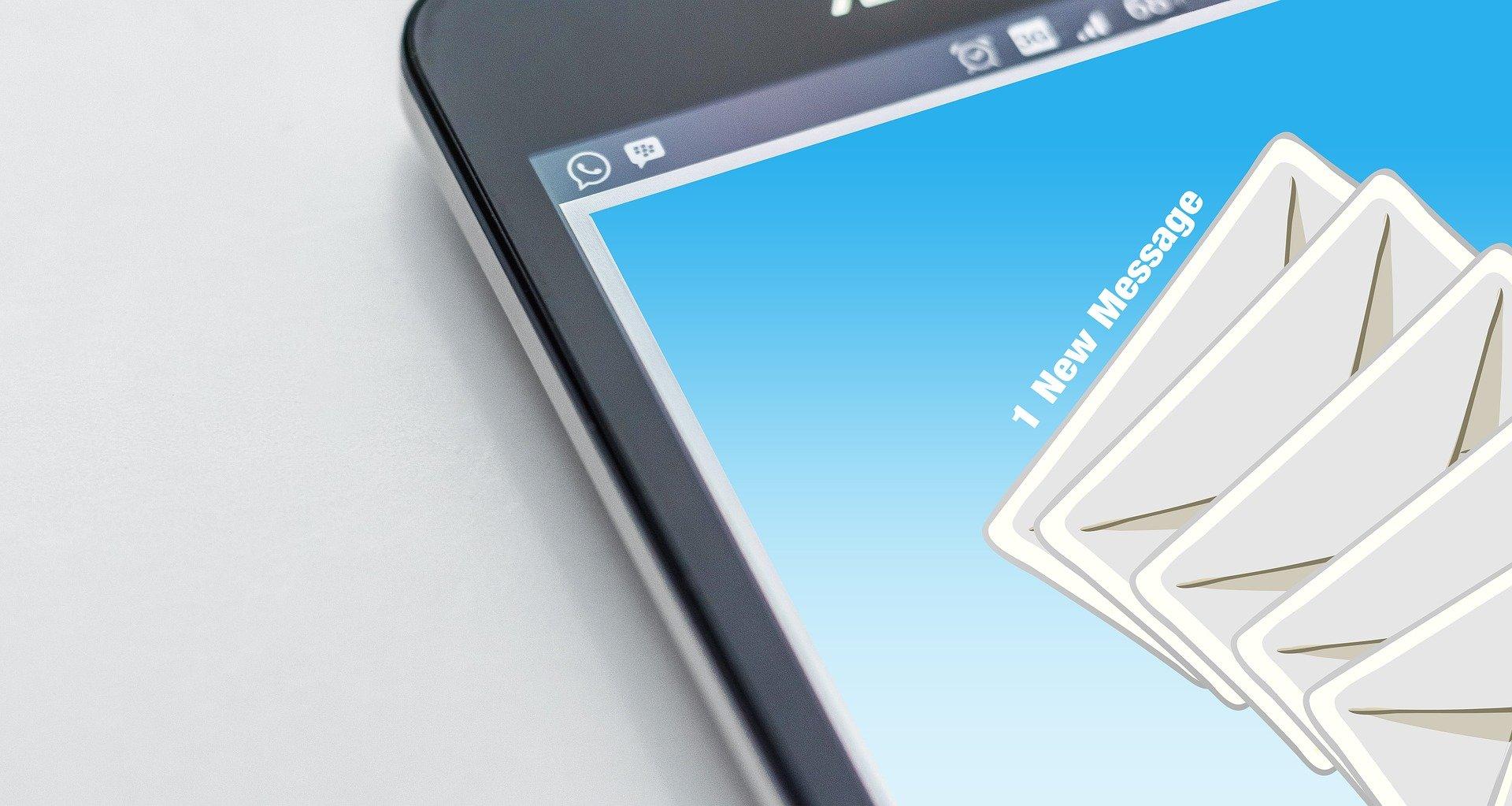 Teléfono móvil correo