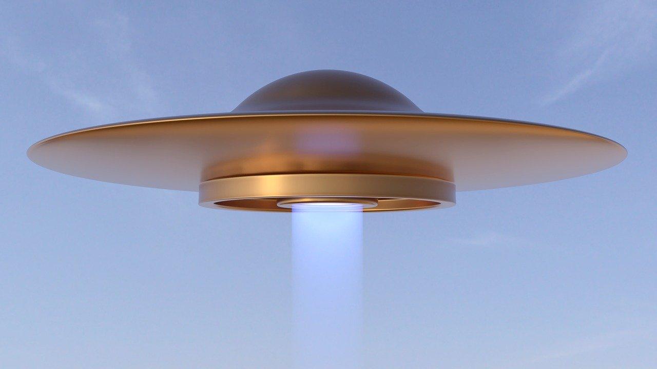 Un misterioso viajero del futuro comunica que la llegada de extraterrestres será en 2022